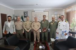 دیدار رئیس سازمان تربیت بدنی ارتش با امیر دریادار خانزادی