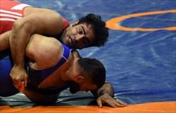 نجاتی و قاسمی در  نیمه نهایی کشتی قهرمانی جهان/تاب و ساروی از دور رقابت ها کنار رفتند