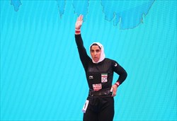 الهام حسینی در رقابت های وزنهبرداری قهرمانی جهان شانزدهم شد