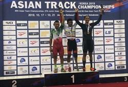محمدی بر سکوی دومدوچرخه سواری قهرمانی آسیا