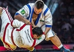 مدال برنز قزاق کورس قهرمانی جهان بر گردن یزادان پناه