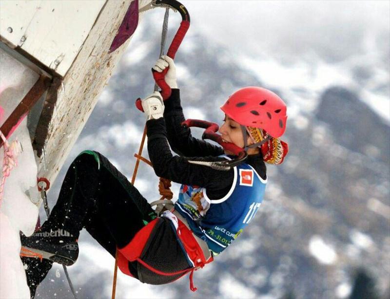 صعود صفدریان و اسدی به نیمه نهایی یخنوردی قهرمانی آسیا