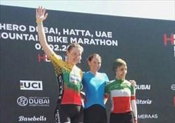 سومی پرتوآذر در دوچرخهسواری کوهستان امارات