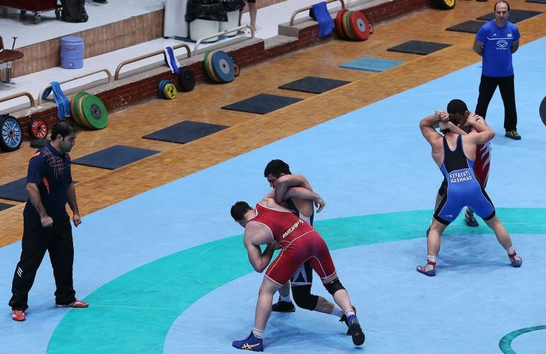 تشکیل جلسه برای تعیین تکلیف اردوهای تیم های ملی کشتی